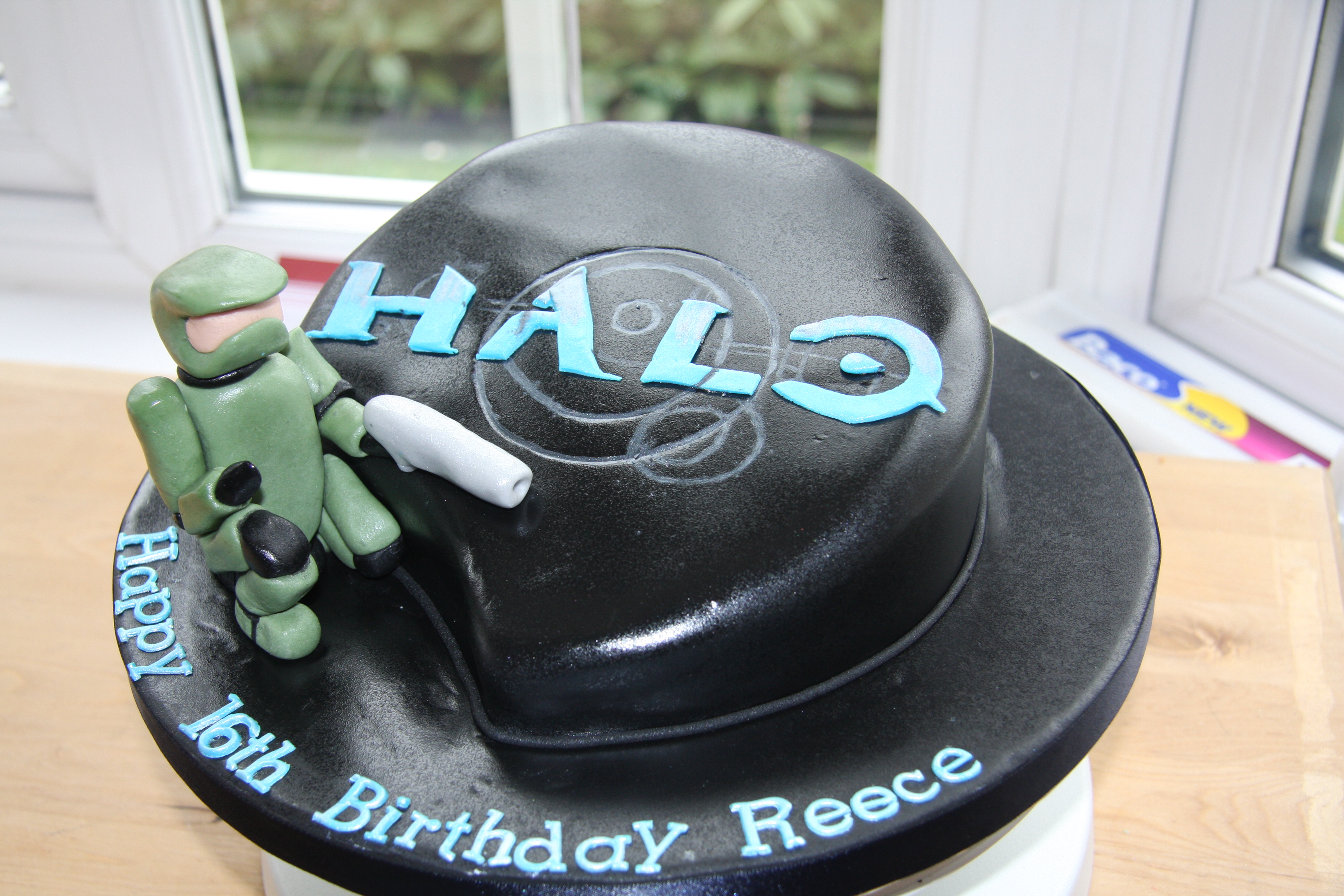 Halo Cake Little Black Hen