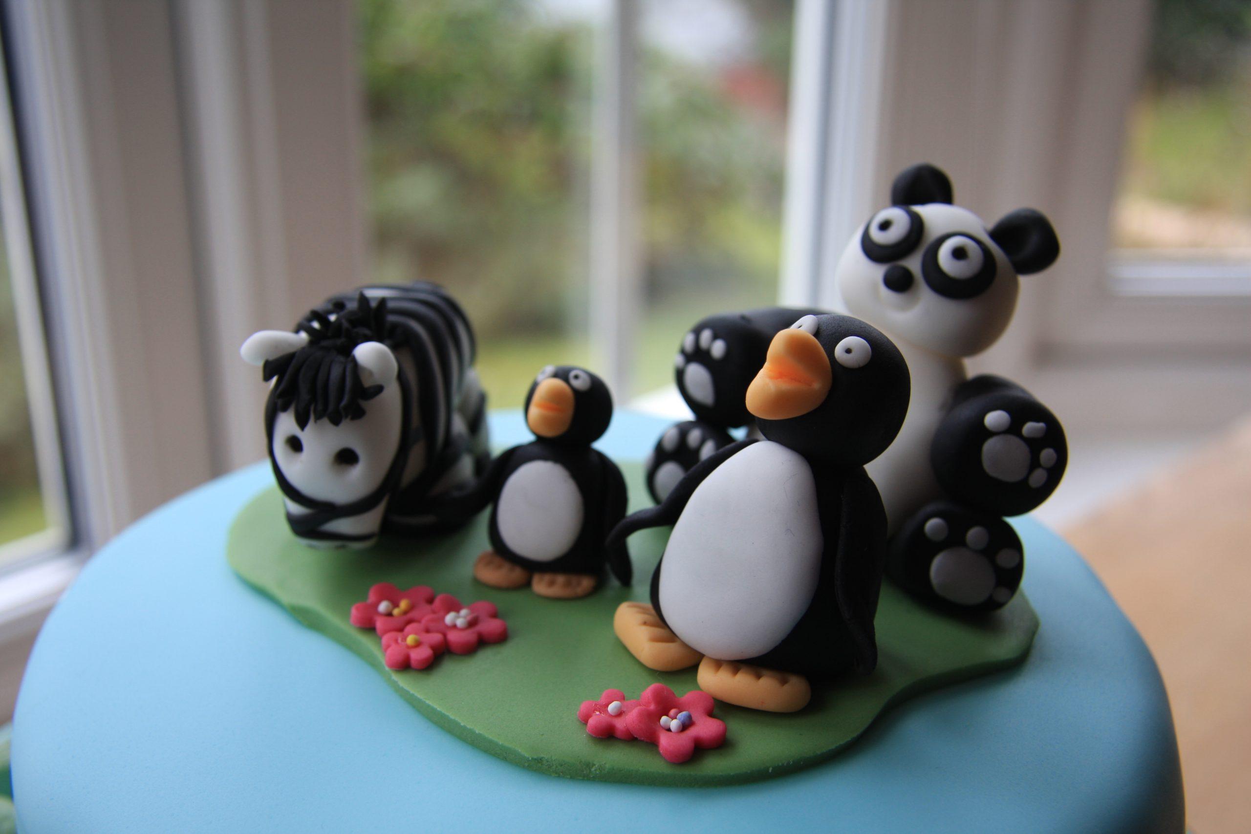 Island Zoo Cake