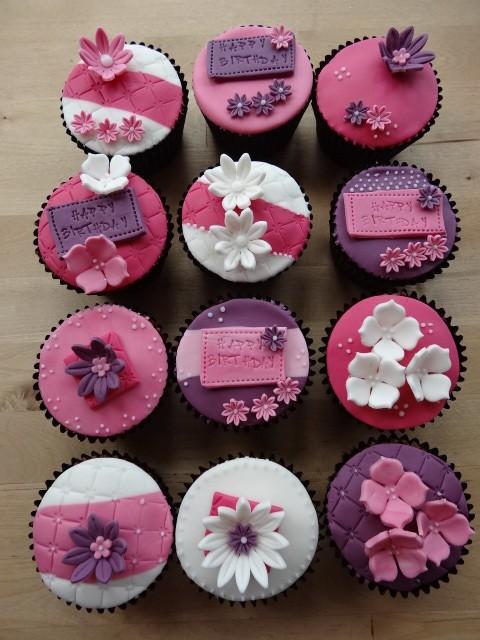 Birthday flower cupcakes